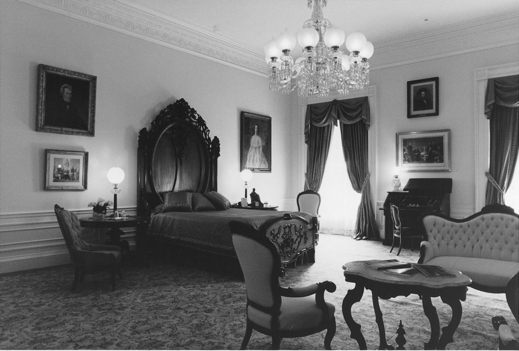 the lincoln bedroom refurbishing a famous white house